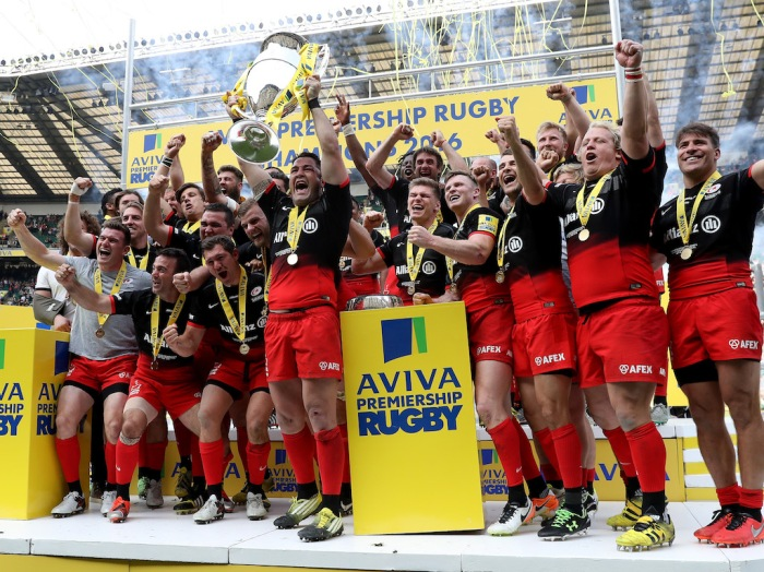 LONDON, ENGLAND - MAY 28: Brad Barritt of Saracens lifts the trophy after the Aviva Premiership final match between Saracens and Exeter Chiefs at Twickenham Stadium on May 28, 2016 in London, England. (Photo by David Rogers/Getty Images)