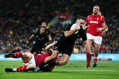 WELLINGTON, NEW ZEALAND - JUNE 18: Israel Dagg of New Zealand scores a try during the International Test match between the New Zealand All Blacks and Wales at Westpac Stadium on June 18, 2016 in Wellington, New Zealand. (Photo by Anthony Au-Yeung/Getty Images)