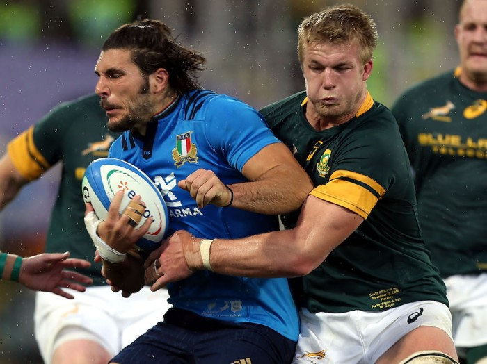 ROME, ITALY - NOVEMBER 19: Pieter-Steph du Toit of South Africa in action during the international match between Italy v South Africa at Stadio Olimpico on November 19, 2016 in Rome, Italy. (Photo by Gabriele Maltinti/Getty Images)