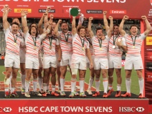 CAPE TOWN, SOUTH AFRICA - DECEMBER 11: England during the trophy presentation during day 2 of the HSBC Cape Town Sevens at Cape Town Stadium on December 11, 2016 in Cape Town, South Africa. (Photo by Petri Oeschger/Gallo Images/Getty Images)