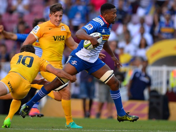 CAPE TOWN, SOUTH AFRICA - MARCH 04: Sikhumbuzo Notshe of the Stormers tackled by Nicolas Snchez of the Jaguares during the Super Rugby match between DHL Stormers and Jaguares at DHL Newlands Stadium on March 04, 2017 in Cape Town, South Africa. (Photo by Ashley Vlotman/Gallo Images/Getty Images)